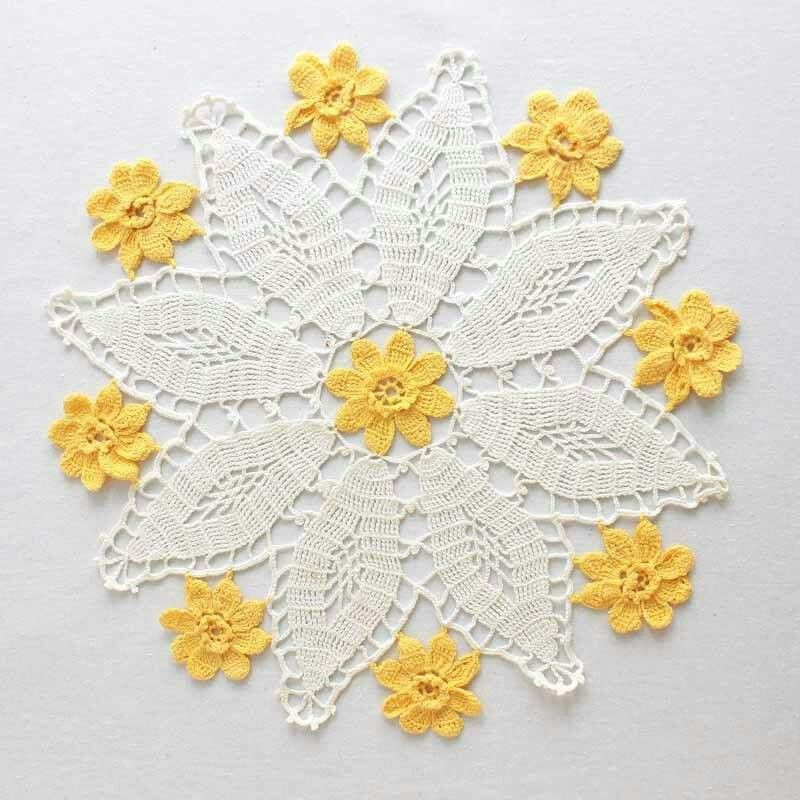 Pin by กรรณิการ์ on ถักนิตติ้ง | Pinterest | Crochet patterns ...