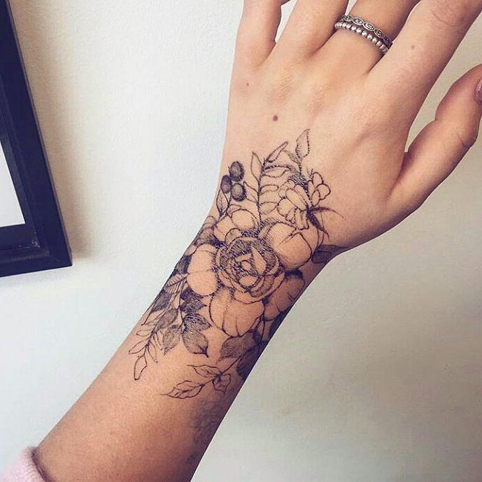 i love this tattoo floral tatto pinterest tatueringar tatuering och blommor. Black Bedroom Furniture Sets. Home Design Ideas