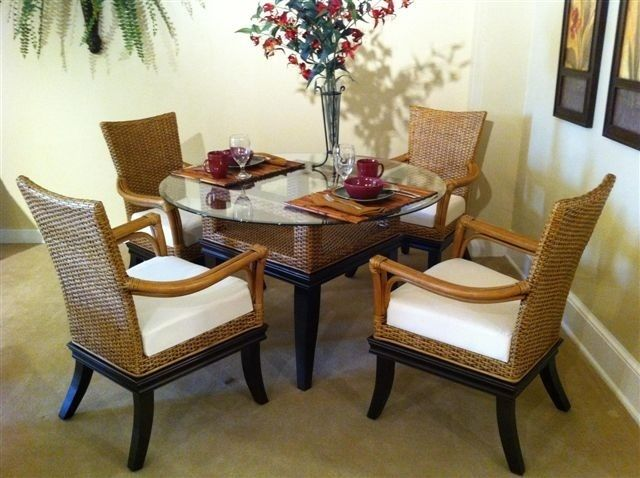 8700 Clairmont Wicker Dining Set With 4 Arm Chairs By South Sea Rattan 8721 Side Table