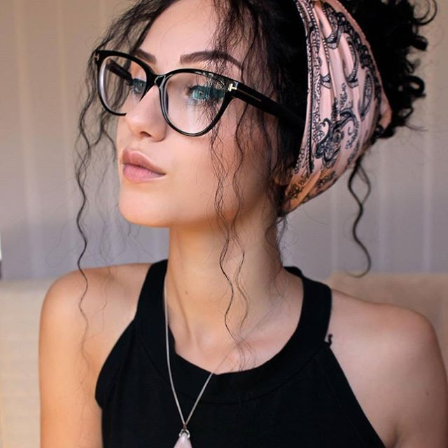 2866b081dd88 Rock this amazing makeup look with your glasses! Check out the beautiful   stellacini s video on her Youtube channel! Pic