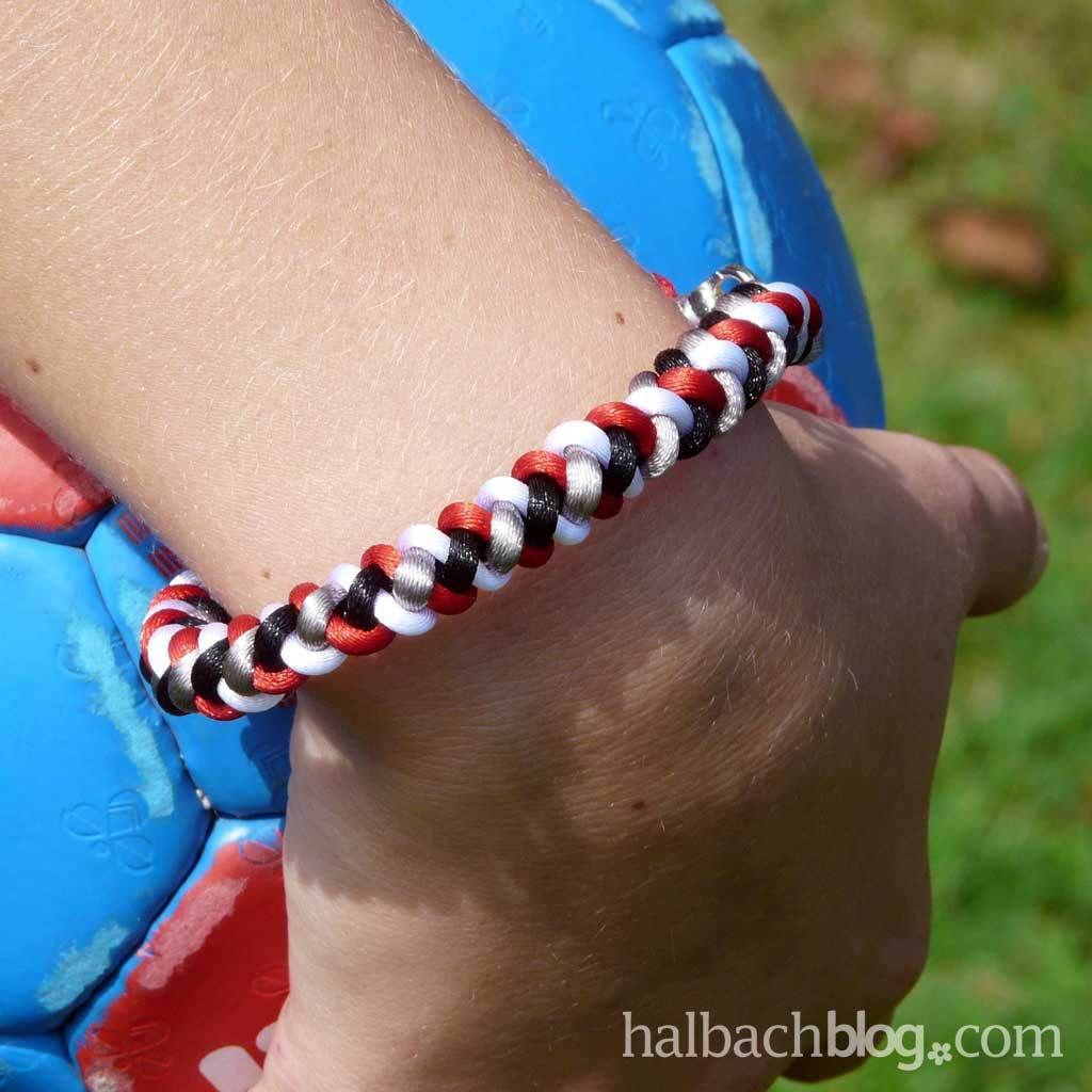 Halbachblog I Armbander Knupfen I Lassiges Fan Armband I Diy