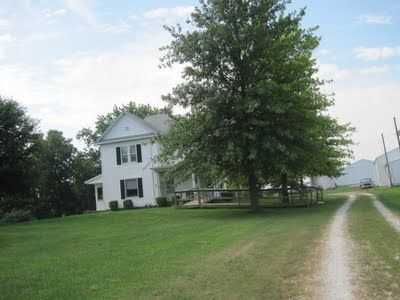 My grandma's farmhouse in the middle of nowhere. Yes, please.