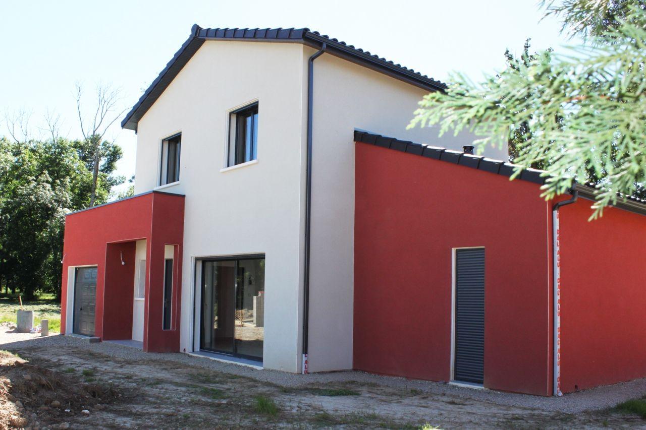 Constructeur Maison Toulouse Prix maison colorée et dynamique. enduit rouge et blanc