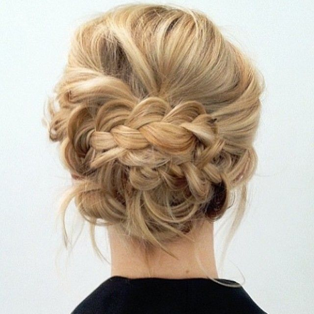 Messy And Soft Braided Updo Up Do Wedding Day Hair Gaya Rambut Model Rambut Sedang Panjang Rambut