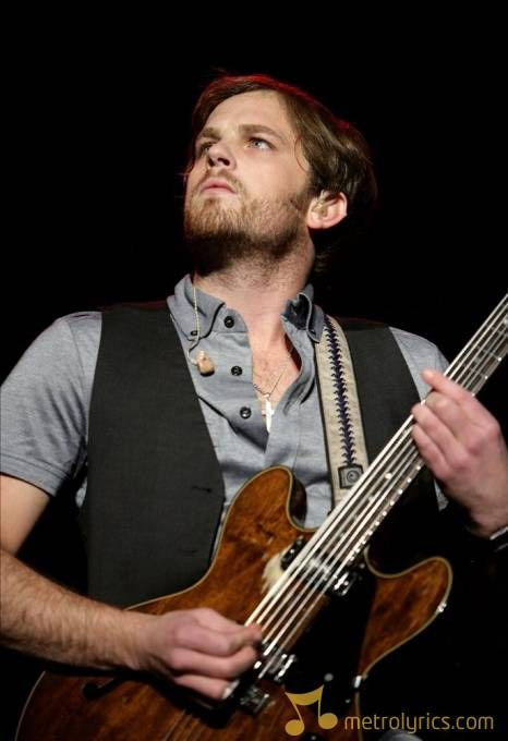 Caleb followill kings of leon perform at madison square - Foo fighters madison square garden ...