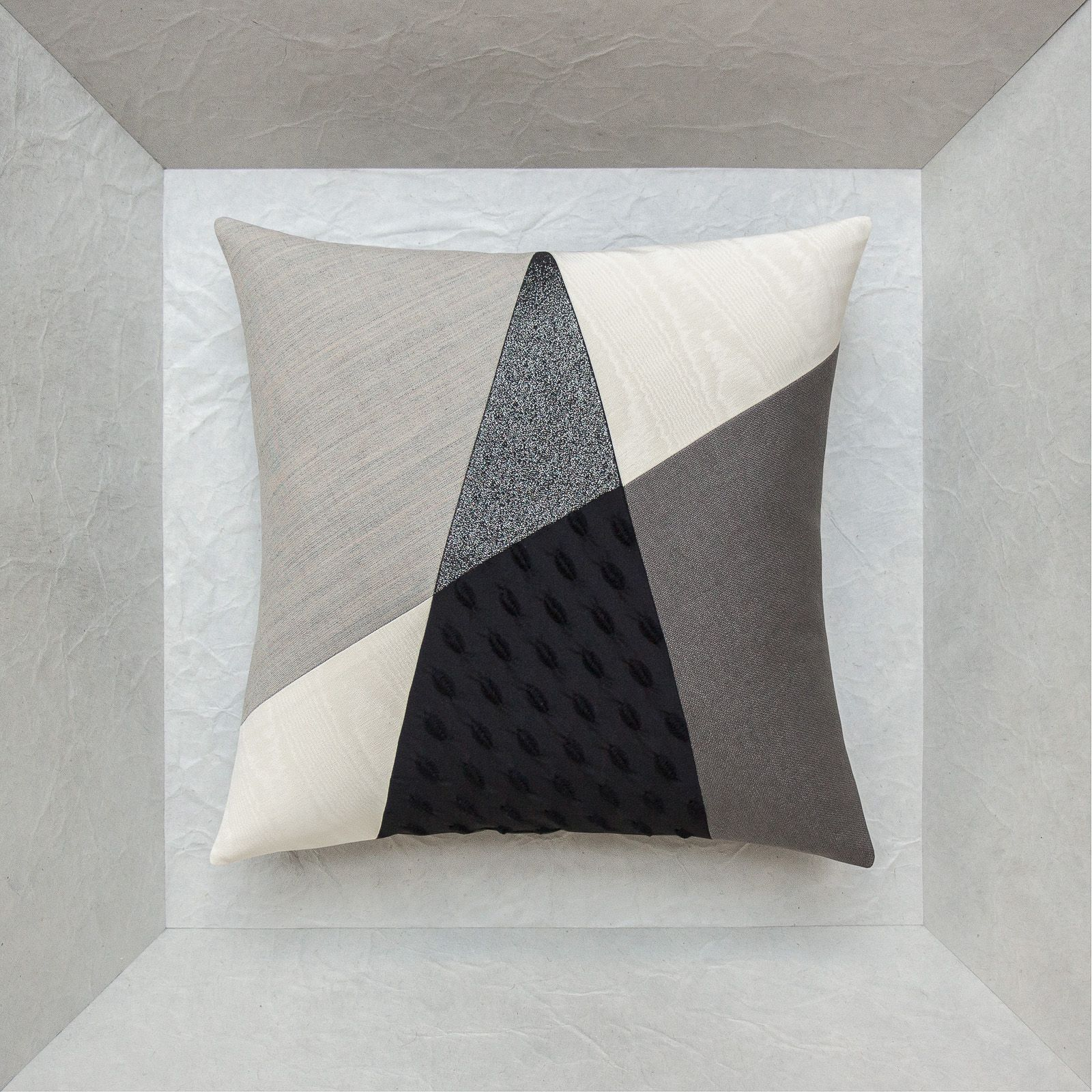 contemporary black and white cushions with a sharp design • Maison Popineau