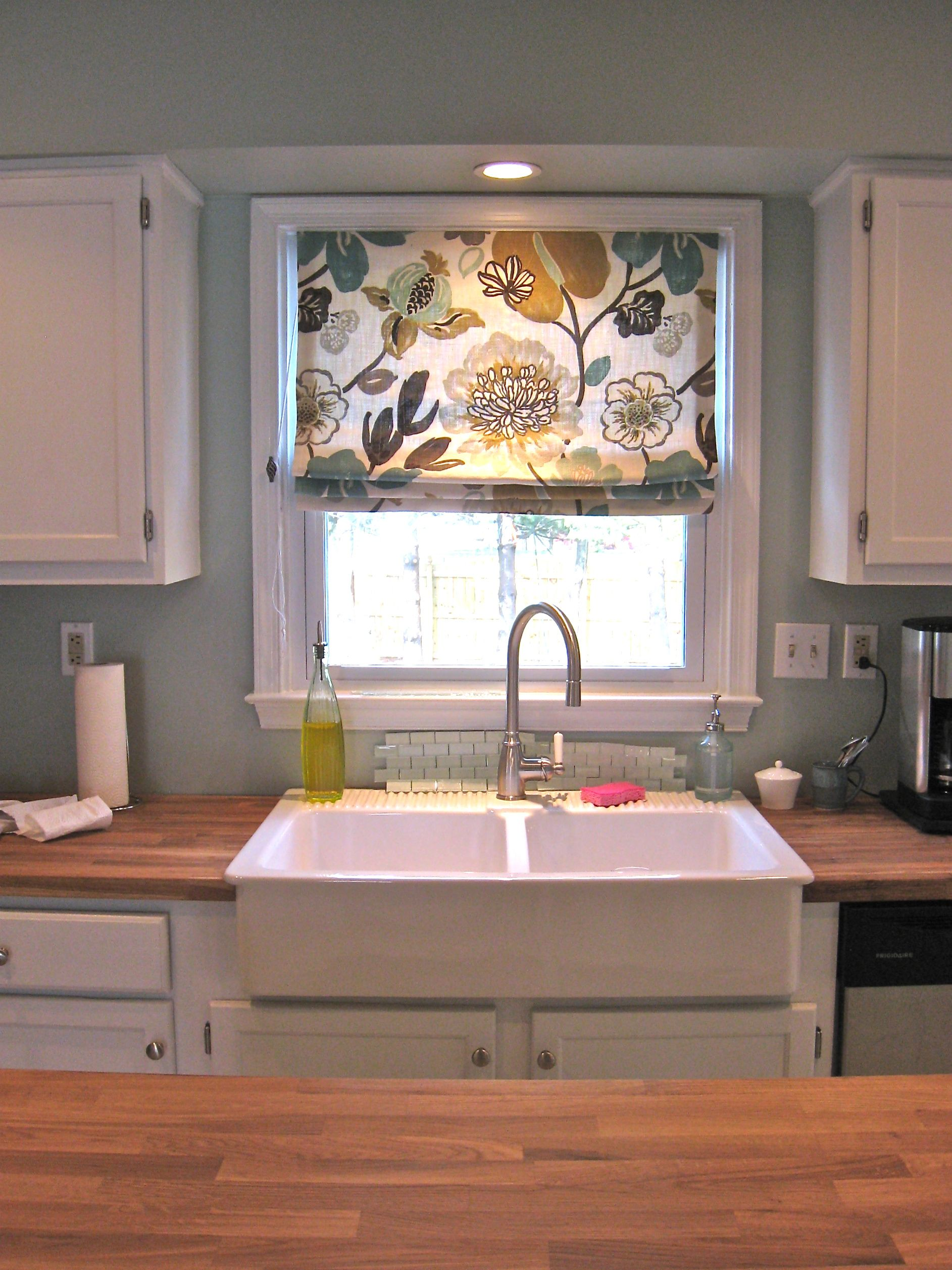 Our Farmhouse Sink From Ikea Makes Doing Dishes Fun Nah Ikea Farmhouse Sink Kitchen Sink Window Kitchen Window Coverings