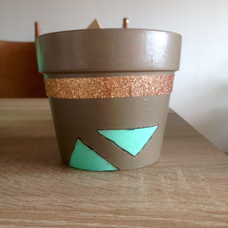 Décoration d'un pot en terre cuite: tentative #1