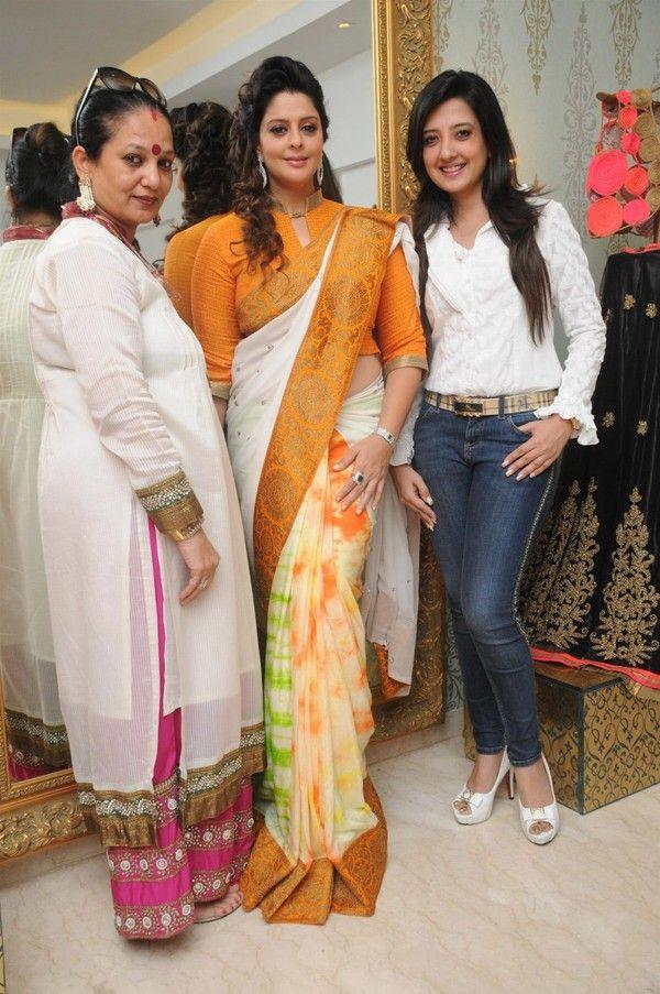 Beautiful Indian Actress Nagma In Yellow Saree | Beautiful ...