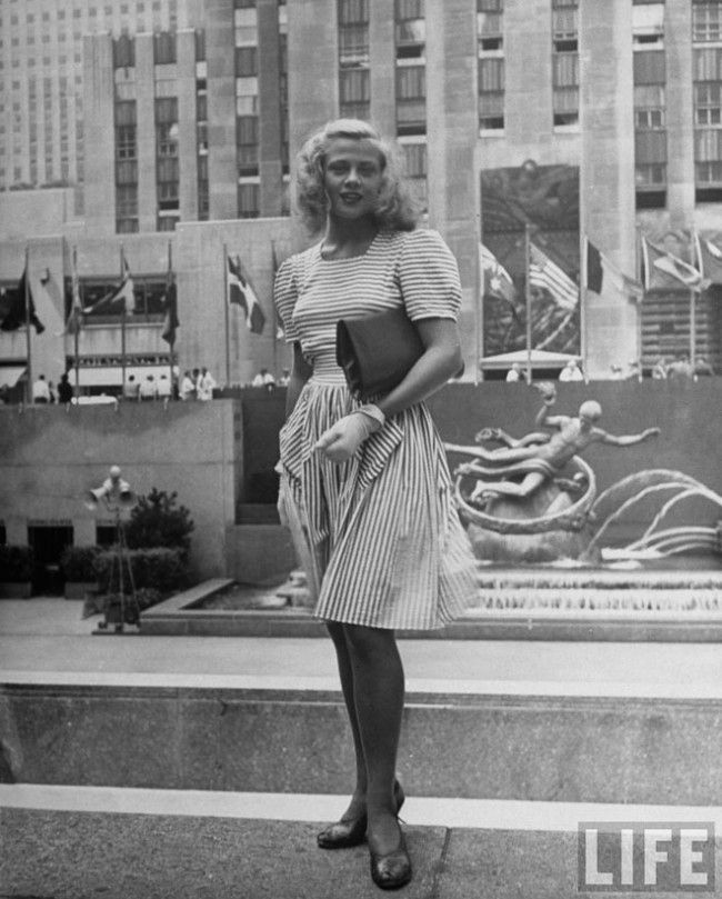 New York street style, circa 1944, photographed by Alfred ...