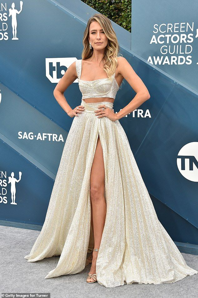 Renee Bargh turns heads at the SAG awards in Los Angeles ...