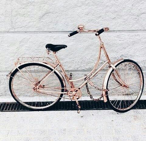 Image via We Heart It https://weheartit.com/entry/172947367/via/2306523 #bicycle #black #classy #gold #minimalist #perfect