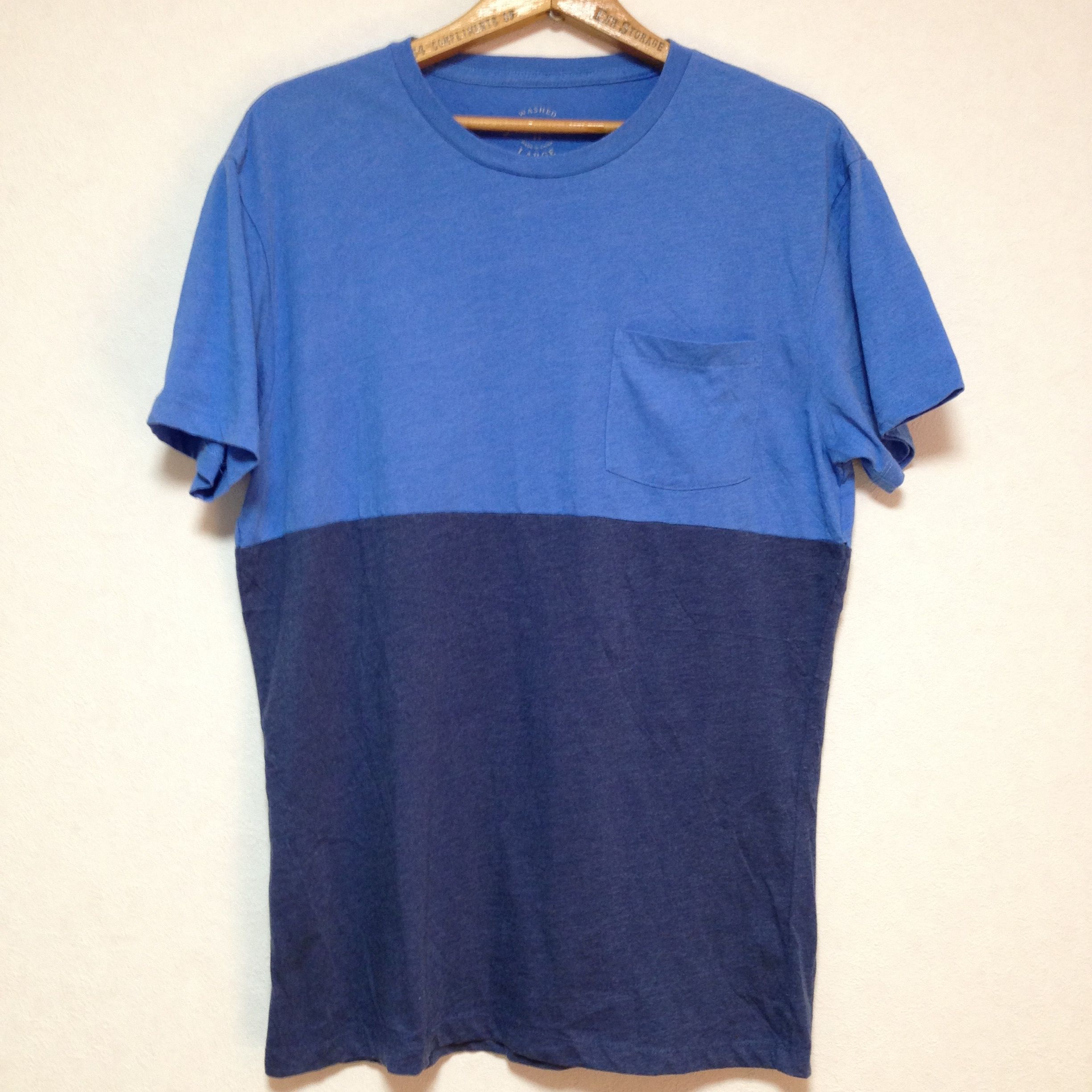 J.CREW TWO-TONED BLUE/NAVY POCKET T-SHIRT Size: L