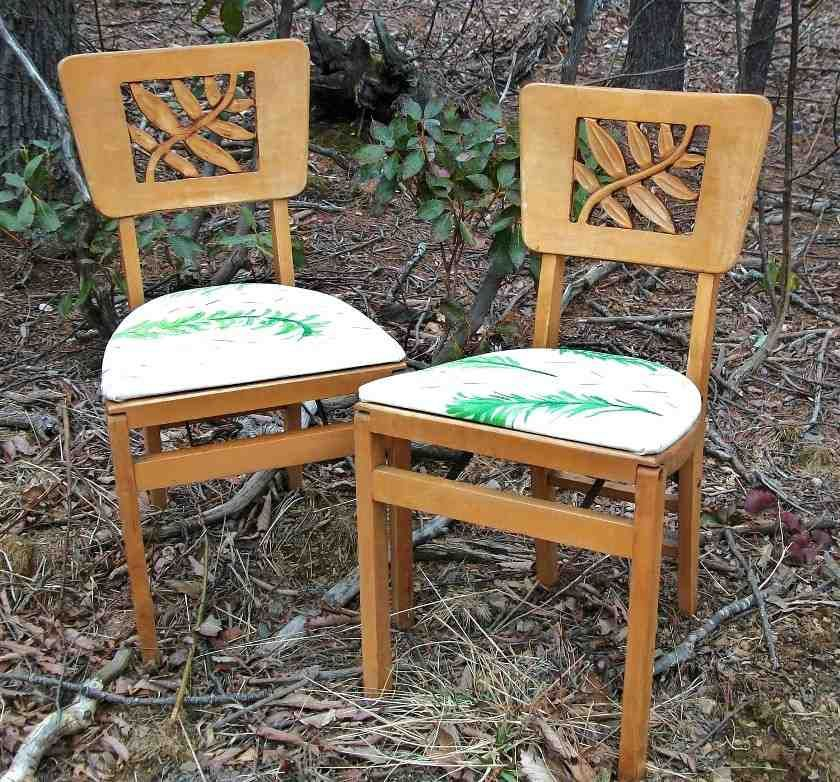 Good Vintage Stakmore Folding Chairs