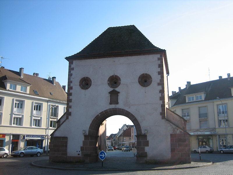 Eu Fr Al 67 Haguenau Porte De Wissembourg Haguenau Wikipedia In 2020 Gotische Kirchen Klassizistisch Strassburg