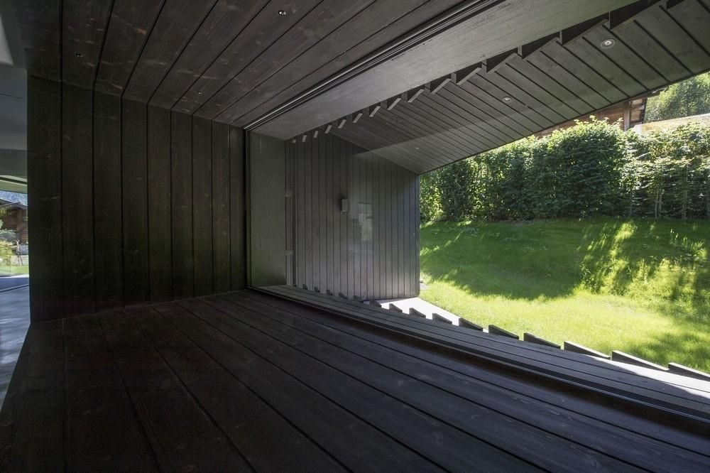 Этот эффектный дом для загородного отдыха построен на ...