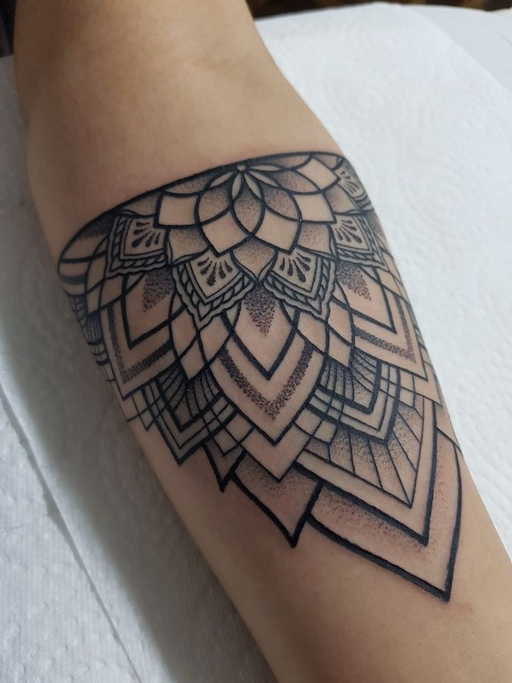 Photo of Tattoo von greg #mandala #dotwork #dotwork #mandala #tattoo