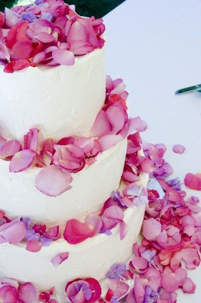 Petal cake - could get real hydrangea petals? quite simple but effective?