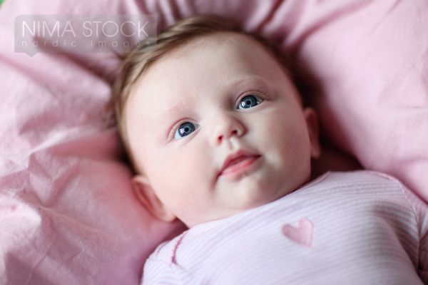 newborn baby girl with green eyes and brown hair www