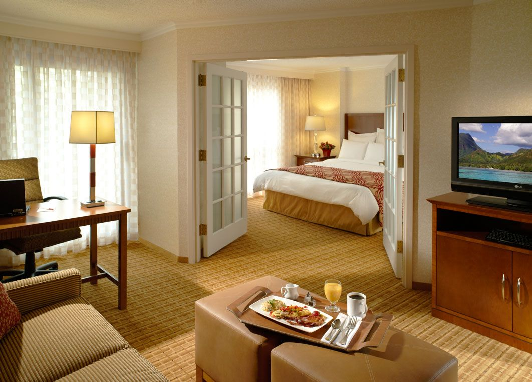 Enjoy large luxurious suites right in the heart of Midtown