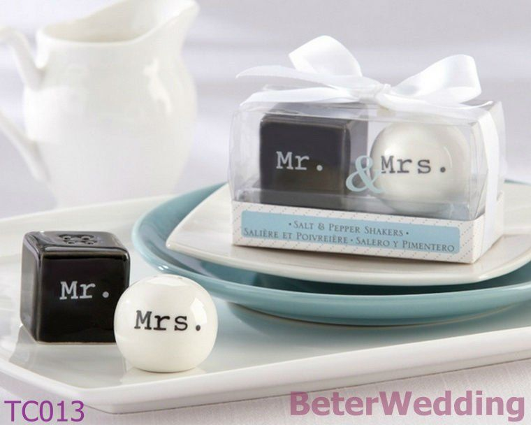 Dhl Free Shipping 100pcs 50set Salt And Pepper Shakers Porcelain Jars Tc013 Wedding Anniversary Party Id Brindes De Casamento Pimentas Wedding Favors And Gifts