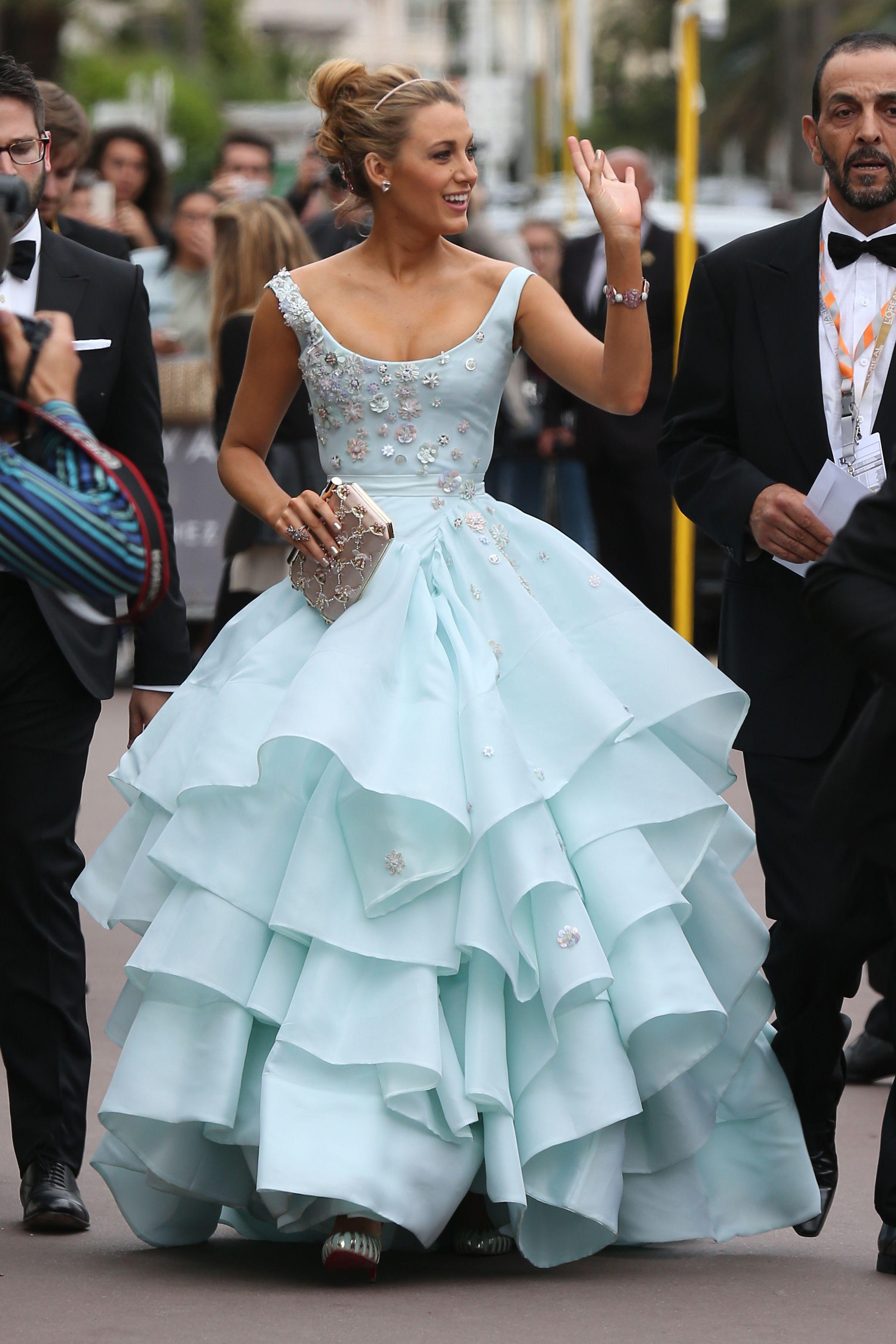 50+ Times Celebrities Dressed Exactly Like Disney Princesses | Blake ...