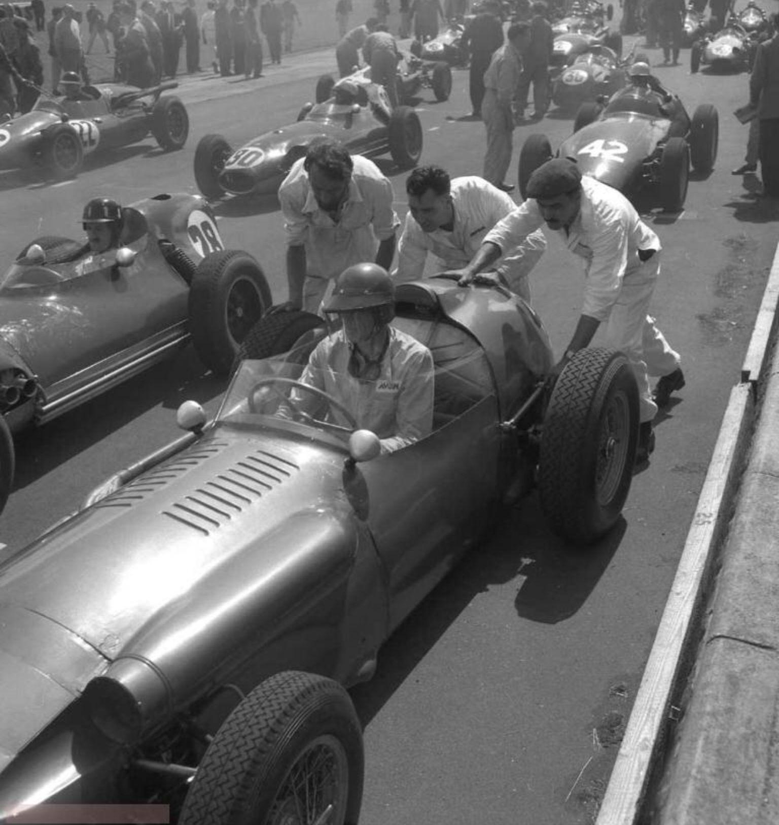 Carroll Shelby, Aston Martin DBR4, British GP Grid, G Hill