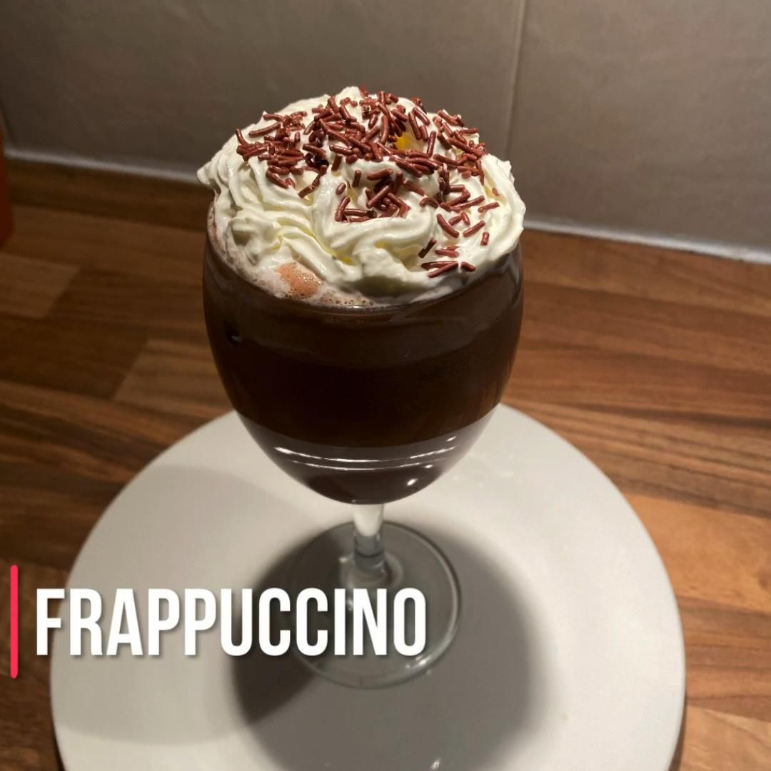We had great sunny days in this summer! To enjoy, let's go to make an icy and delicious Frappuccino!   #coffeelover #coffeetime #lowcarbfood #lowcarbbreakfast #coffeeholic #frappe #recipecoffee #frappuccino