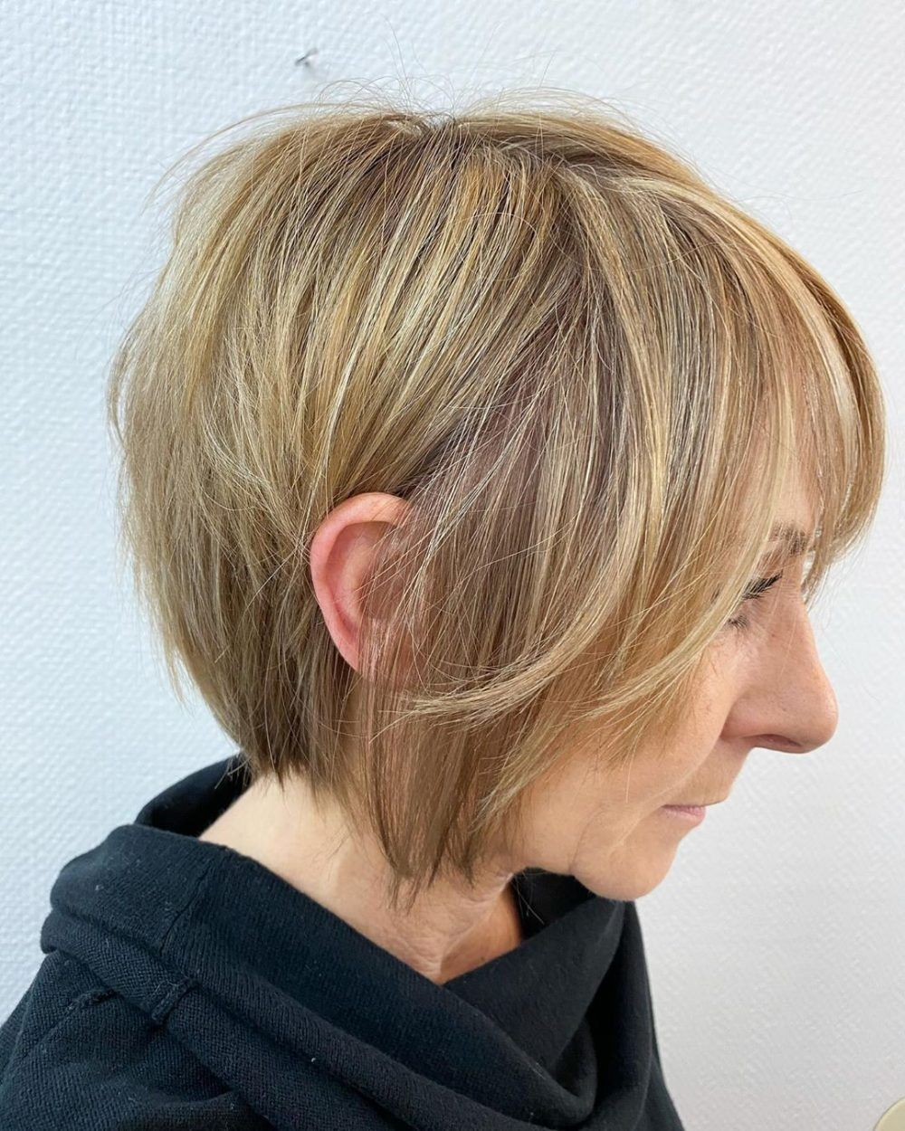 Youthful Hairstyles Over 50 Round Face