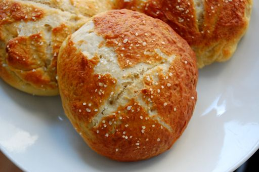 Pretzel buns: I really want a bread machine so I can make stuff like this so much easier.