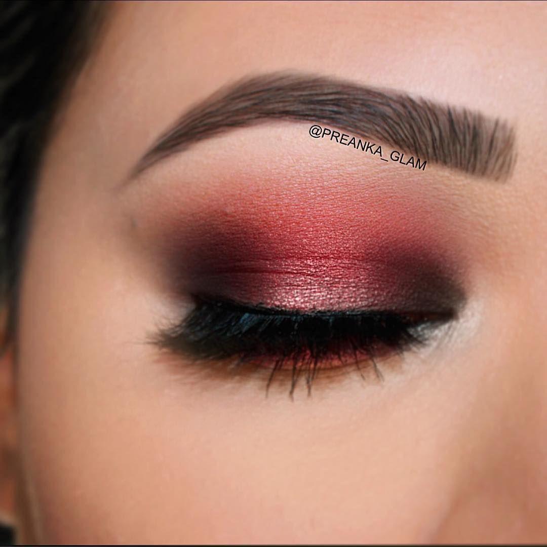 Beautiful burgundy eye makeup look <3