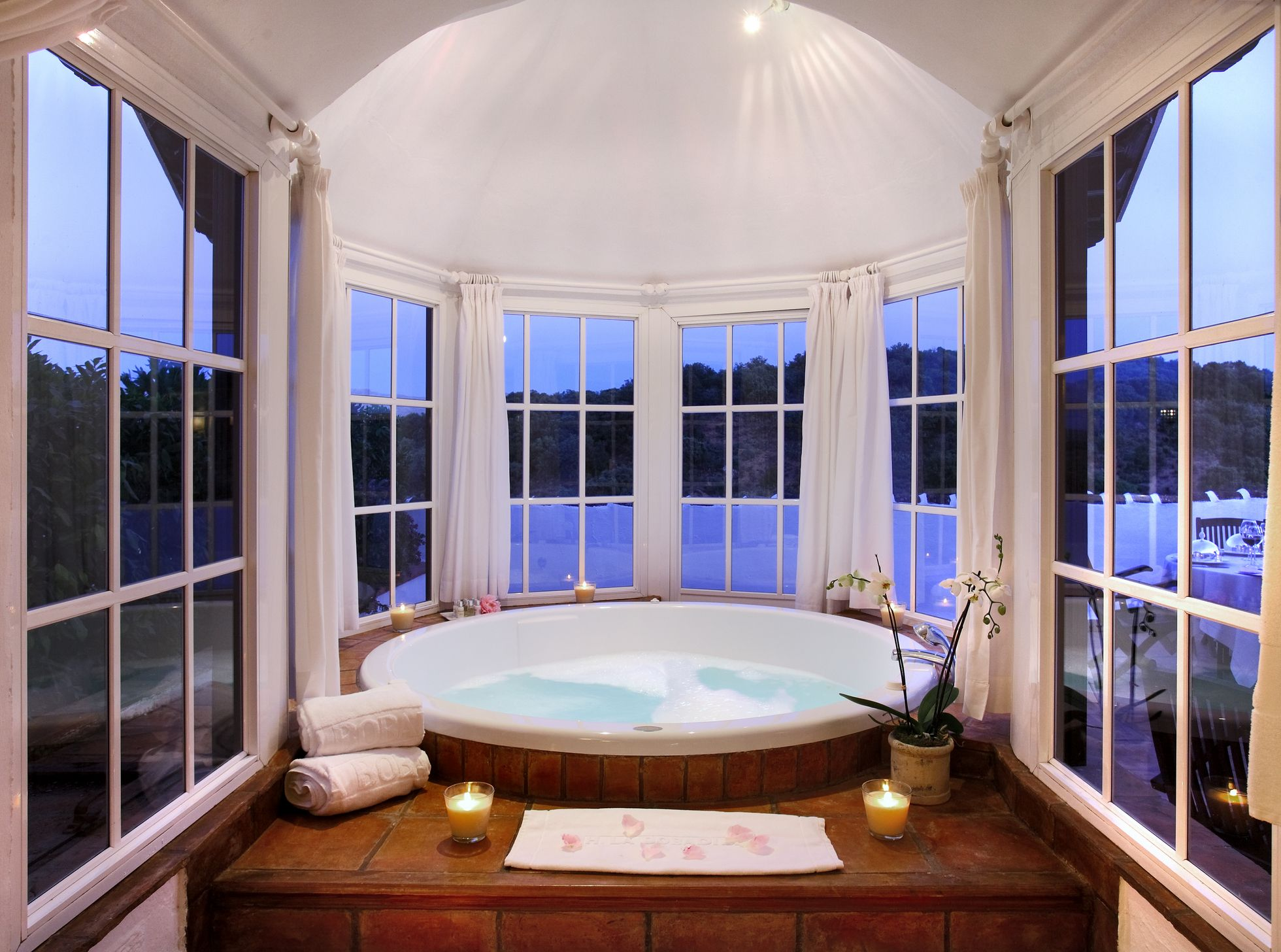 Round Tub Surrounded By Windows At The Barcelo La Bobadilla In Granada Spain Hotel Bathroom Design Luxury Hotel Bathroom Luxury Hotel