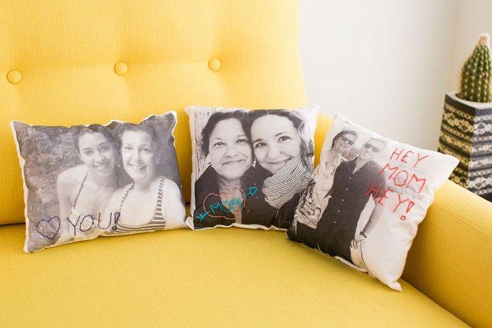 tolle idee zum muttertag fotos auf stoff drucken lassen und dann einen kissenbezug draus machen. Black Bedroom Furniture Sets. Home Design Ideas