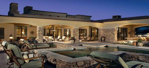 Beautiful backyard!!