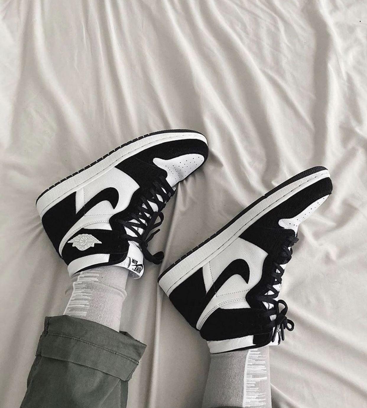 vsco + chynamcghee in 2020 Sneakers fashion, Nike air