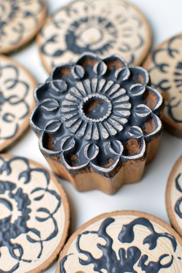 anh nger selber machen clay made astscheiben holzscheiben und baumschmuck holz. Black Bedroom Furniture Sets. Home Design Ideas