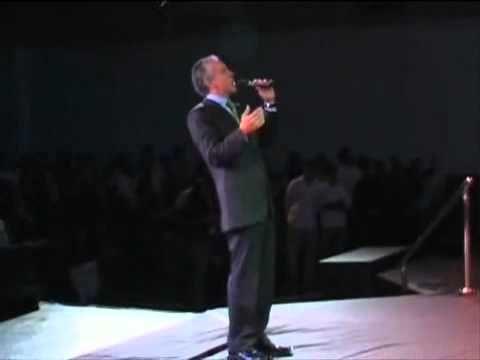 Marco Barrientos - Cristo Heme Aqui Te Entrego (Medley) Beautiful song... Jesus I Praise your Holy Name !!... Gloria Gloria a su Nombre Jesus!!