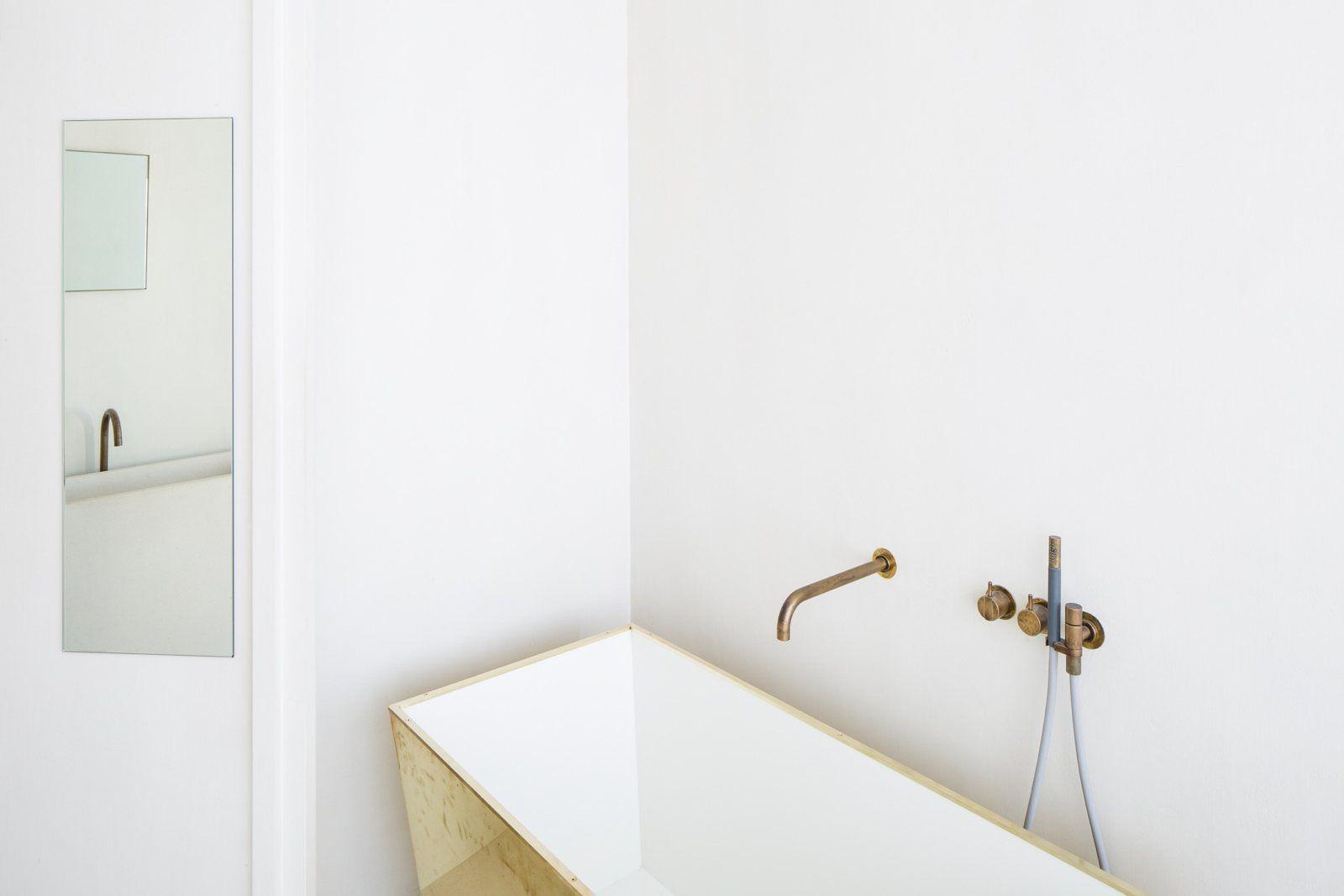 Bathroom. Penthouse Antwerp by Hans Verstuyft Architecten.