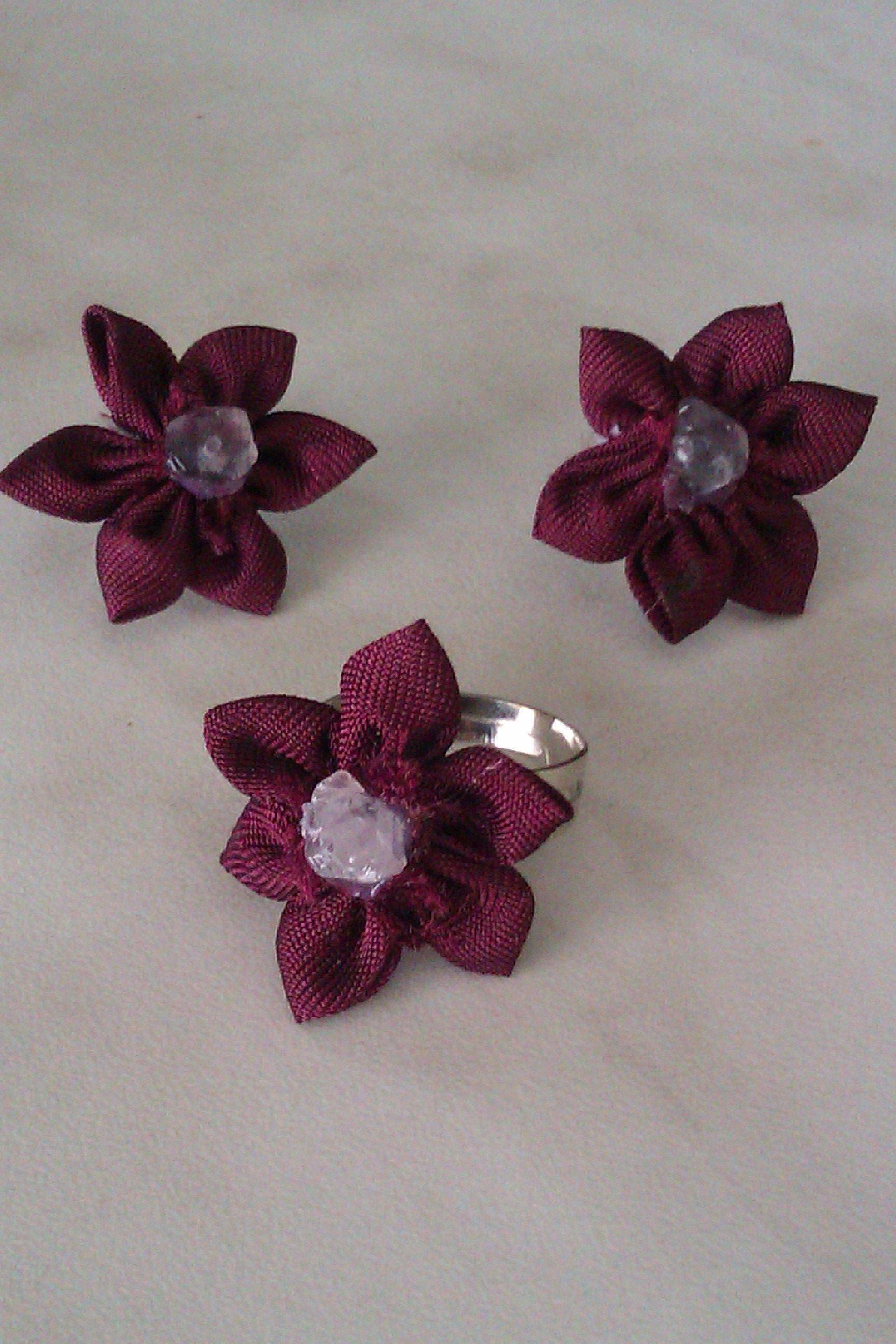 Обеци и пръстен с ръчно изработени цветя от плат