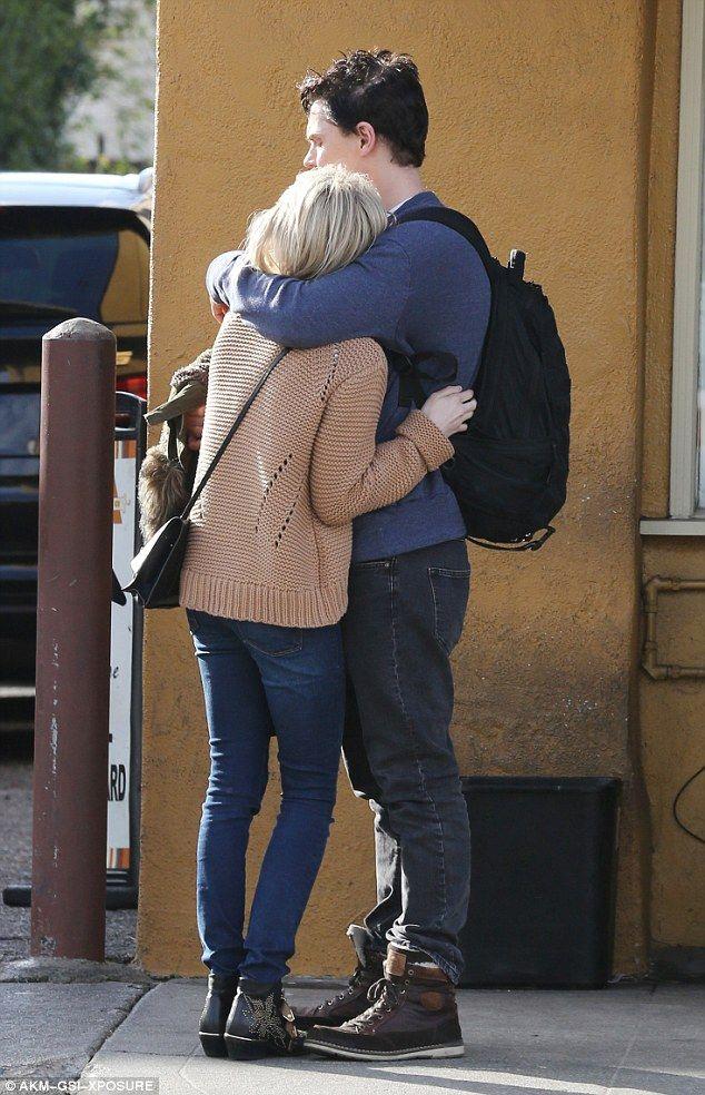 Emma Roberts And Evan Peters Share At Kiss After Rekindling Romance Emma Roberts Evan Peters Robert Evans