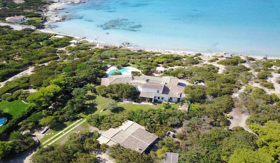 Sardinien Villa Mit Privatstrand Zum Traumen Und Entspannen Ferienhaus Sardinien Sardinien Urlaub Ferienhaus Italien