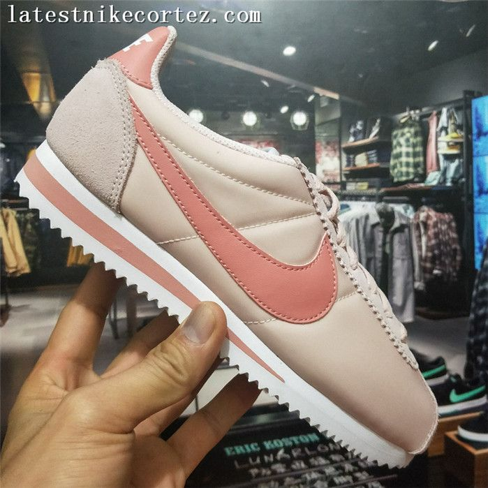 buy popular ad5e8 dbec0 Authentic Womens Nike Classic Cortez Nylon Running Shoes Light Pink