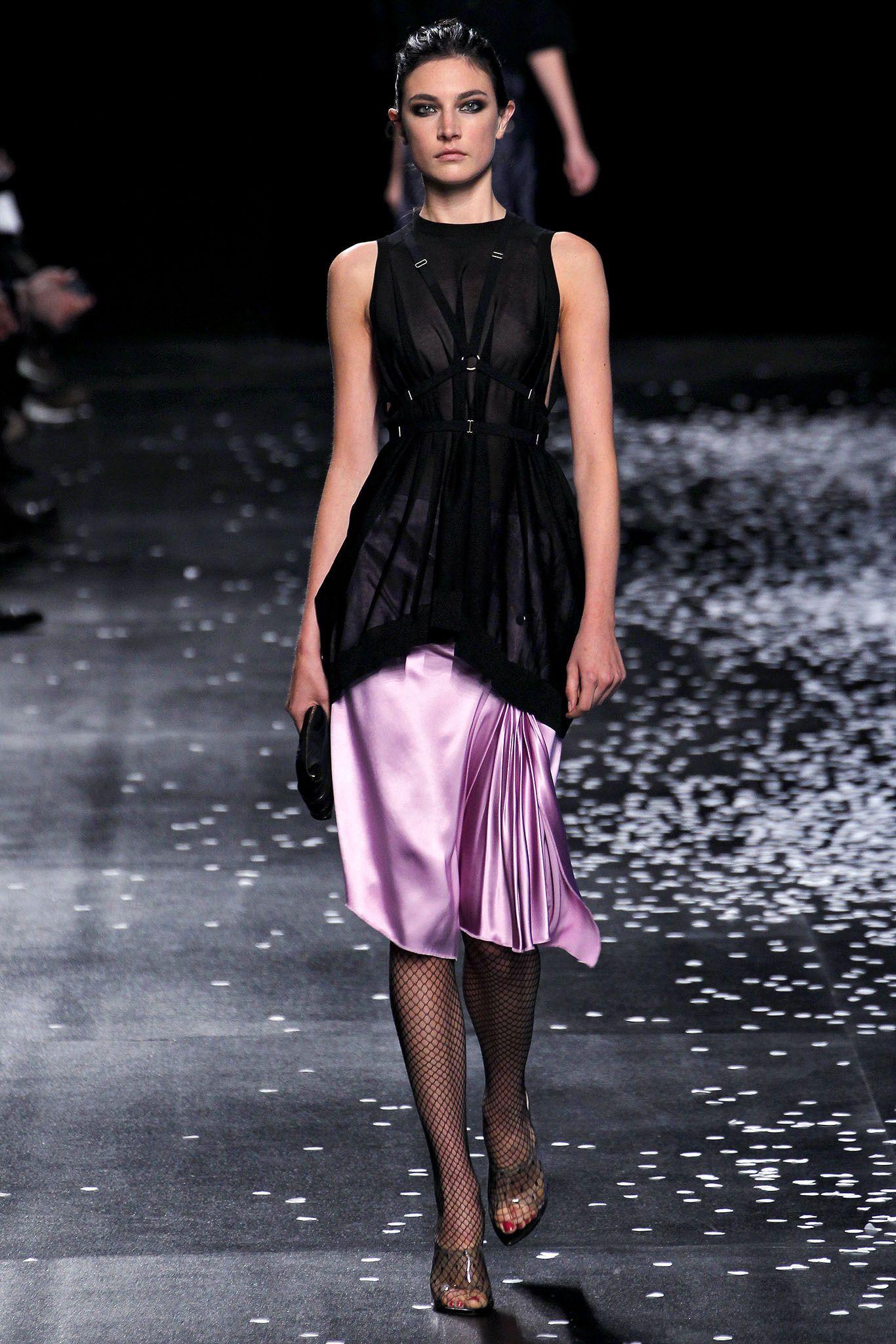 Nina Ricci Spring 2013 Ready-to-Wear Fashion Show - Manon Leloup