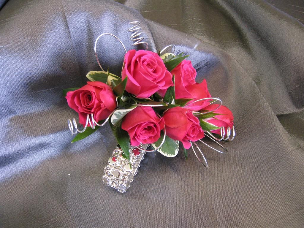 Cobblestone Design Is New Hampshire S Leading Full Service Florist Prom Flowers Prom Flowers Bouquet Corsage Prom