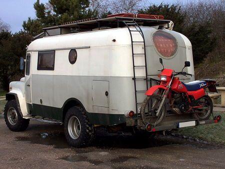 ancien v hicule militaire russe gaz reconverti en camping car caravaningunivers campingcar. Black Bedroom Furniture Sets. Home Design Ideas