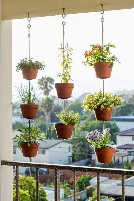 Talk About Eye Catching This Idea Will Make A Definite Statement On An Apartment Balcony Check Out More Gardening Tricks For Small Es