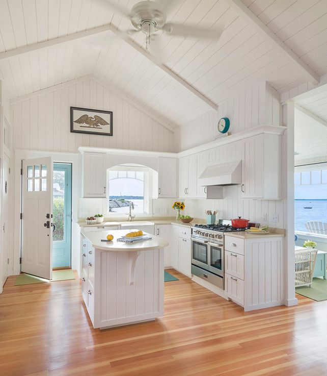 Small Beach Cottage With Inspiring Coastal Interiors Small Cottage Kitchen White Cottage Kitchens Cottage Kitchen Design