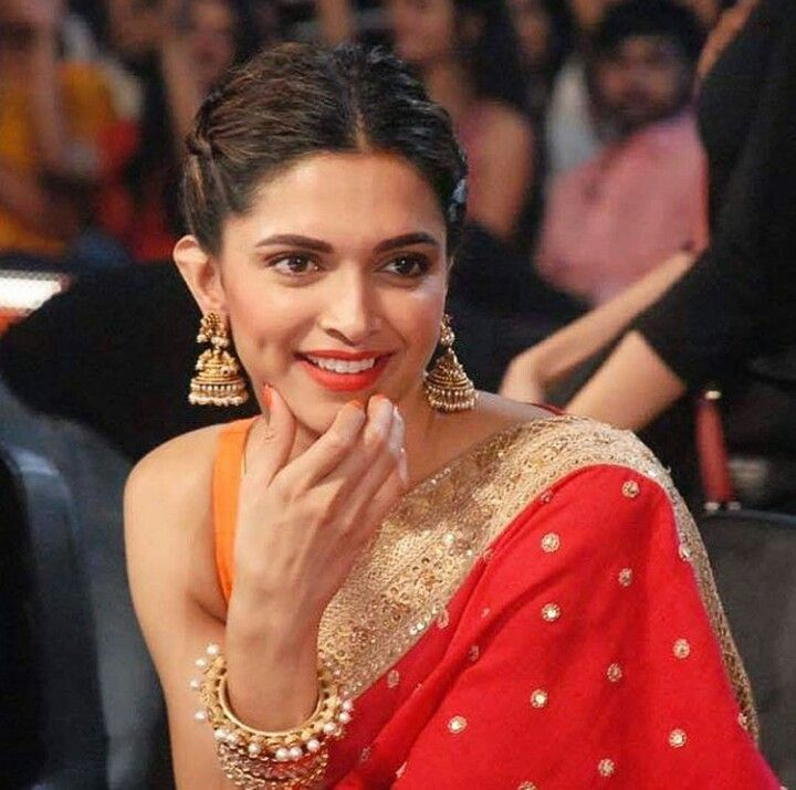 Pin By Ashish On Deepika Deepika Padukone Style Deepika Padukone Saree Deepika Padukone