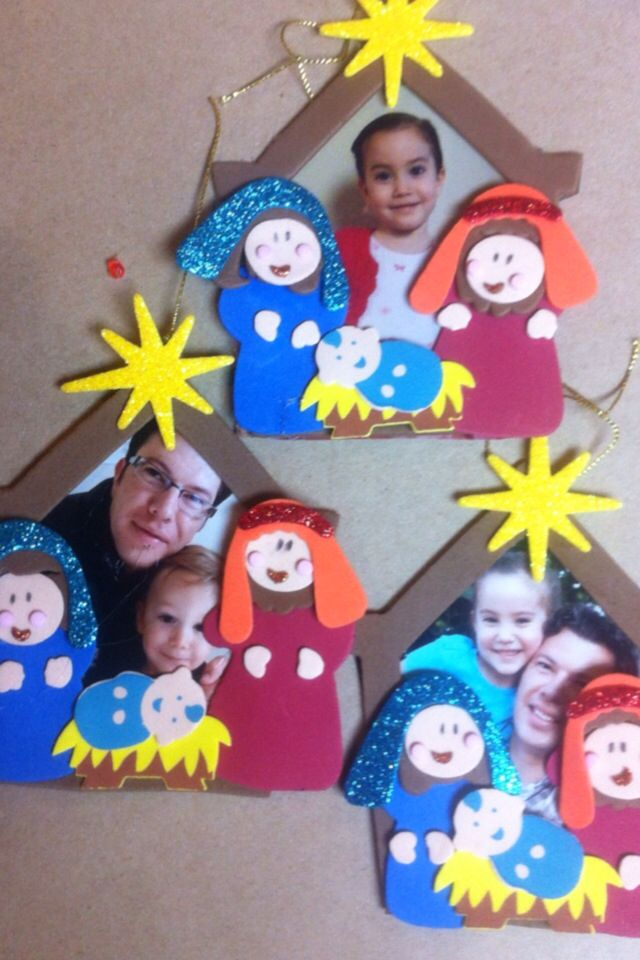 Portarretratos dentrodelportal manualidad ni os for Manualidades de navidad para ninos