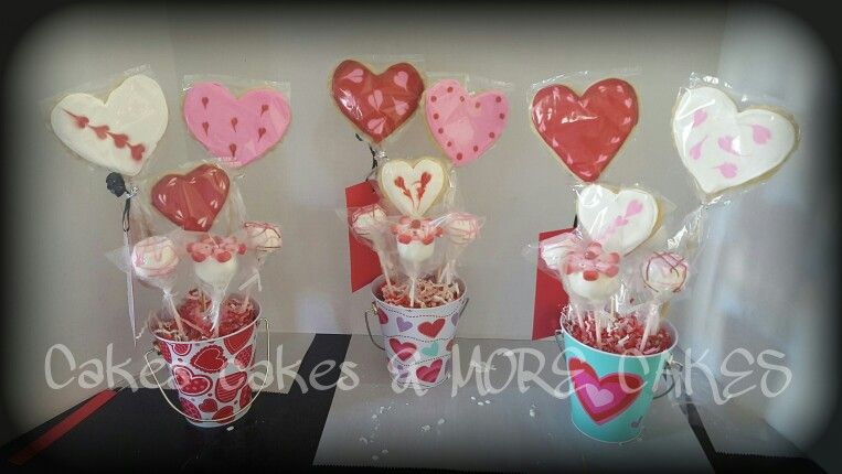 Cookie and cake pop bouquets #cakepopbouquet
